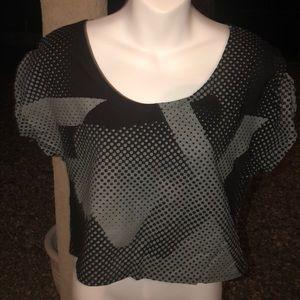 Fox women's crop top tshirt sz med. never worn